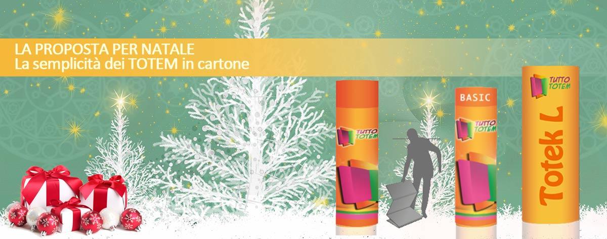 Totem in cartone semplici ed efficaci per Natale